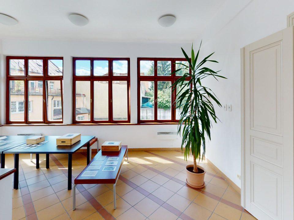 3D prehliadky Vila-Dominika-Skuteckeho-Stredoslovenska-galeria-Living-Room(3)